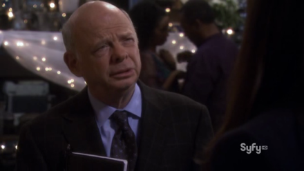 Guest star Wallace Shawn as the relationship auditor.